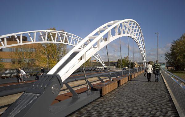 Third-Way-Bridge-02-Moxon-Architects